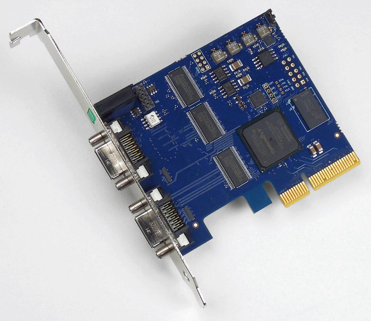 VisionLink F4 Camera Link Framegrabber für PCI Express / x4, 2 Kameras